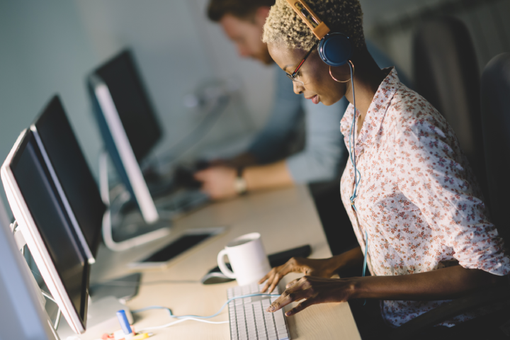 woman-learning-at-work-end-user-training