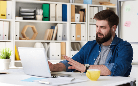 5 Challenges of Managing Remote Employees (and How to Overcome Them)