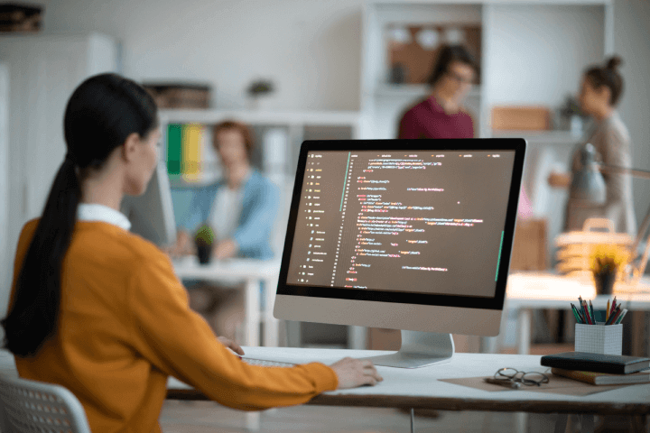 woman-coding-best-skills-to-learn-for-the-future