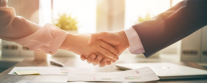 Soft skills training - handshake